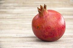 Organischer Granatapfel Lizenzfreie Stockbilder