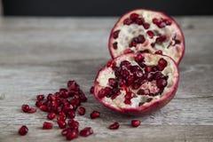 Organischer Granatapfel stockfotos