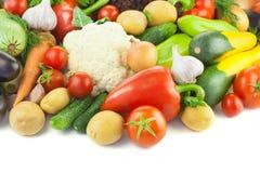 Organisches unterschiedliches Gemüse/auf weißem Hintergrund stockfotos