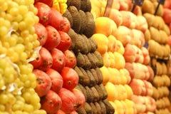 organiserad frukt Arkivbild