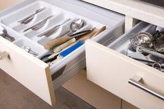 Organisiertes Küchen-Fach Stockbilder