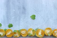 organisk bakgrund fr?n apelsinen Begreppet av sunda drinkar, kopieringsutrymme, closeup fotografering för bildbyråer