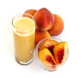 organisk persika för fruktsaft Royaltyfri Bild