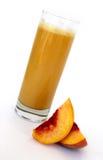 organisk persika för fruktsaft Fotografering för Bildbyråer