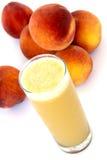organisk persika för fruktsaft royaltyfri fotografi