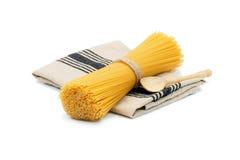 Organisk rå spagetti Fotografering för Bildbyråer