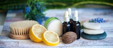 Organiska skönhetsmedel, naturliga fruktoljor Begreppsbrunnsort, hudomsorg, e Fotografering för Bildbyråer