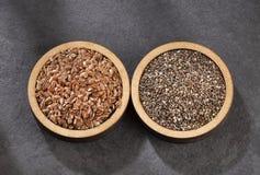 Organiskt chia- och linfröfrö - textutrymme arkivfoto
