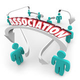 Organização conectada palavra do clube do grupo das setas dos povos da associação ilustração do vetor