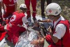 Organización del voluntery de la Cruz Roja de los voluntarios Imágenes de archivo libres de regalías