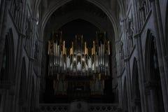Organo della chiesa nella cattedrale di Almudena a Madrid Immagini Stock