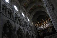Organo nella cattedrale di Almudena a Madrid, Cristianità religiosa storica medievale della chiesa del materiale illustrativo del Fotografia Stock Libera da Diritti