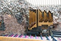 Organo nella chiesa della roccia di temppeliaukio a Helsinki, Finlandia Immagine Stock