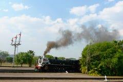 Orgoglio del treno dell'Africa circa da partire dalla stazione capitale del parco a Pretoria, Sudafrica Fotografia Stock Libera da Diritti