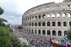 Orgoglio di Roma 2015 - gay Pride Italy - Colosseum immagini stock