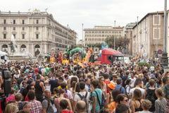 Orgoglio di Roma 2015 - gay Pride Italy - folle dei partecipanti immagini stock libere da diritti