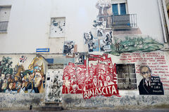 ORGOSOLO, ITÁLIA - 21 DE MAIO DE 2014: Pinturas de parede Foto de Stock