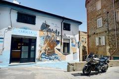 ORGOSOLO, ITALIË - MEI 21, 2014: Muurschilderijen Stock Foto's