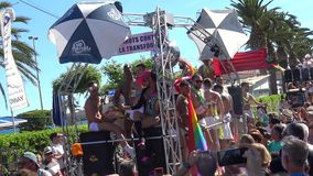 Orgullo de la lesbiana, del gay, del bisexual y de los transexuales almacen de metraje de vídeo