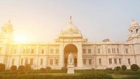 Oriëntatiepunt die Victoria Memorial in India bouwen stock video
