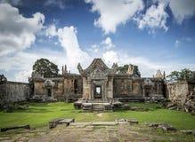 Oriëntatiepunt van de tempelruïnes van Preahvihear het oude Khmer in Kambodja stock fotografie