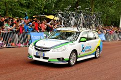 Orica-GreenEdge Team in the Tour de France. London, UK – July 7, 2014: The caravan of the Orica-GreenEdge team (Australia) arrive at The Mall, approaching the Stock Photos