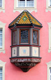 Oriel okno na czerwieni ścianie Obrazy Royalty Free