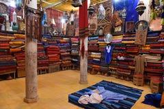 Orientała sklep w Maroko kolorowe tkaniny Obrazy Stock