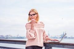 Orientale - viaggio europeo della donna di affari, lavorante a New York Fotografia Stock