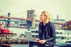 Orientale - viaggio europeo della donna, lavorante a New York, Immagini Stock Libere da Diritti