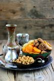 Orientalische Bonbonrosinen, getrocknete Aprikosen, Feigen und Acajounüsse Stockbild