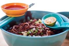 Orientalische starke Soßen-Rindfleisch-Nudel Lizenzfreies Stockfoto