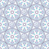 Orientalisches nahtloses geometrisches Gewebemuster Ethnieverzierung Ornamental rundet Hintergrund, die Beschaffenheit, mit Ziege Lizenzfreie Stockfotos