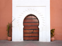 orientalisk arabisk dörr arkivfoto