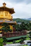 Orientalisk guld- paviljong av chien Lin Nunnery Arkivbild