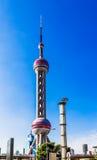 orientalisk pärlemorfärg shanghai torntv Arkivfoton