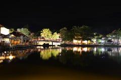 Orientalisk by på natten Royaltyfri Fotografi