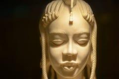 orientalisk statuette för elfenben Arkivfoto