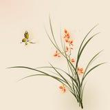 Orientalisk stilmålning, orkidéblommor och fjäril Arkivbild