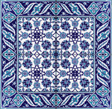 Orientalisk vit för blått för blom- prydnad för tegelplattamodell Royaltyfri Bild
