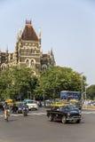Orientaliska byggnader i Mumbai, Indien Royaltyfri Fotografi