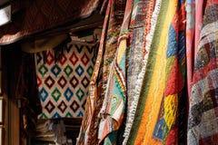 Orientaliska filtar och mattor Arkivfoton