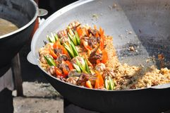 Orientaliska ris för pilaffmatgrönsaker royaltyfri bild