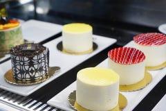 Orientalni Tureccy ciasta z śmietanką i owoc Zdjęcia Royalty Free