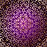 Orientalny purpurowy tło z złocistym ornamentem royalty ilustracja
