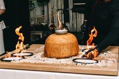 Orientalny shah pilaf, pilaw, plov, ry? z mi?sem w ciasta filo, wy?mienicie fragrant korzenny naczynie fotografia stock