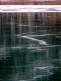 Orientation de portrait de la surface gelée de lac Photographie stock libre de droits