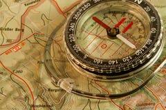 Orienteering: kaart en kompas Royalty-vrije Stock Foto