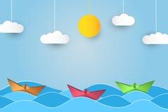 Origami在波浪的帆船 与船、海洋、太阳和云彩的纸艺术样式背景 向量 库存例证