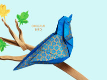 Origami蓝色鸟 免版税库存图片
